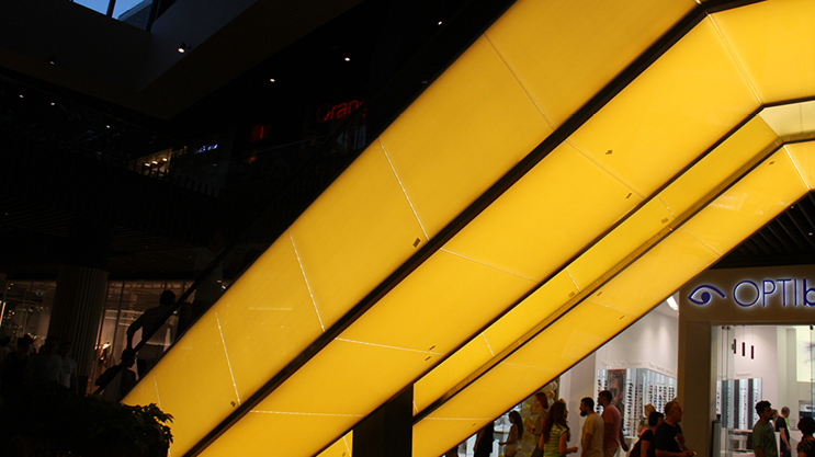 For projects with large surfaces that have to be illuminated.