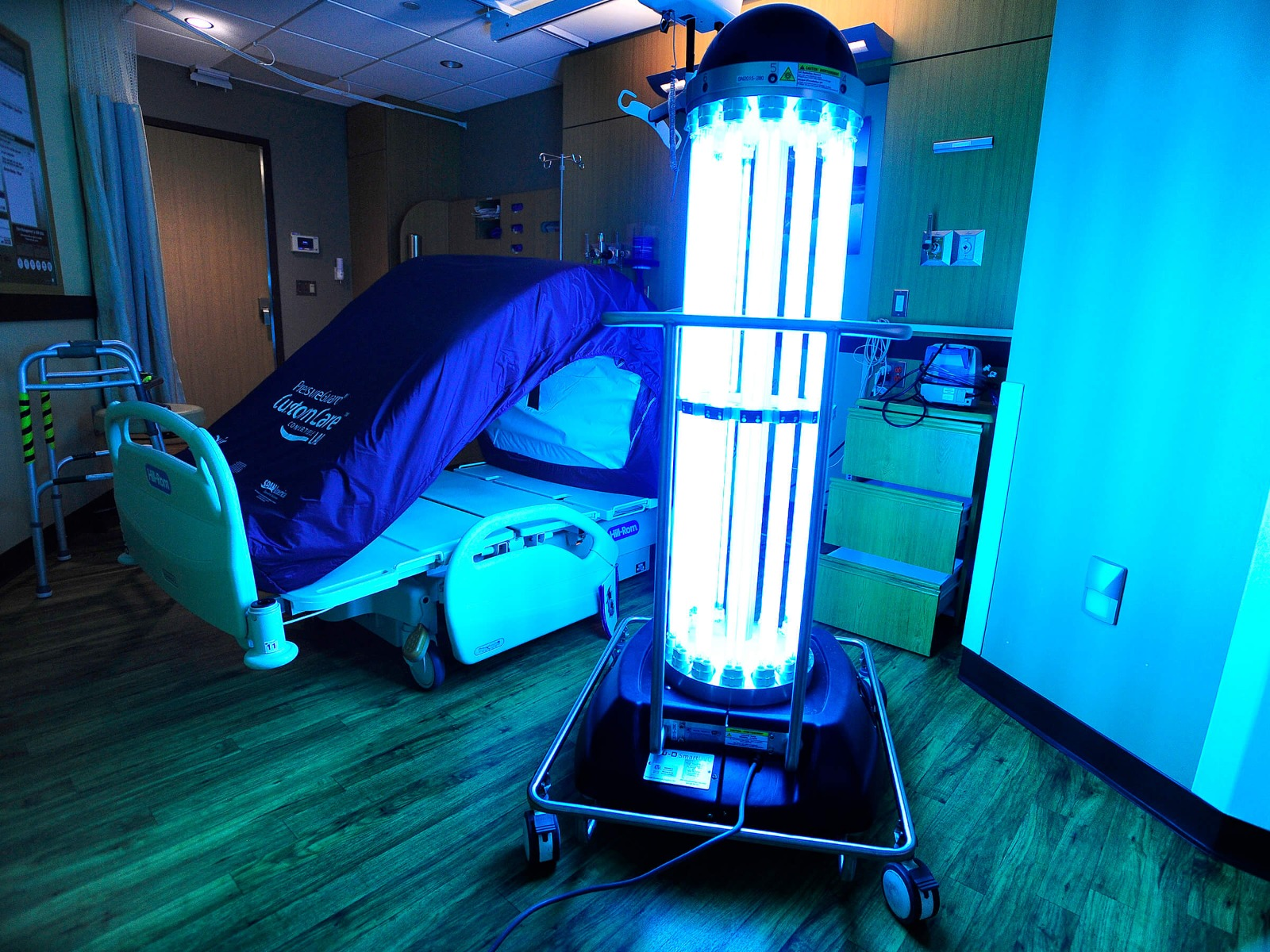 UV robot for hospital use